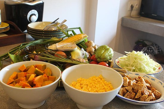 Hands-on Cooking Lesson and Authentic Javanese Lunch in Bali