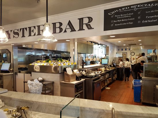Lure Fish House: Interior - Oyster Bar area