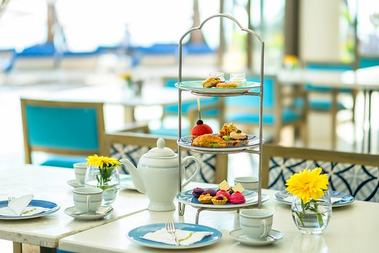 Discovery Shores Boracay: Afternoon Tea