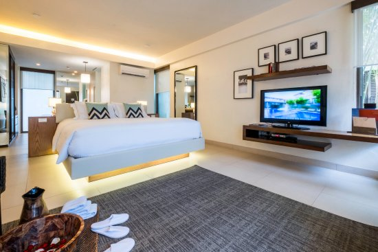 Discovery Shores Boracay : Spacious and comfortable Junior Suite