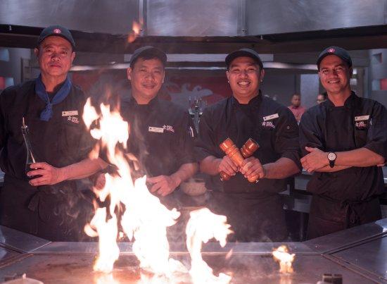Fiesta Resort & Spa Saipan: Mai Teppanyaki chefs