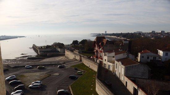 Tour de la Lanterne: view from the wakway