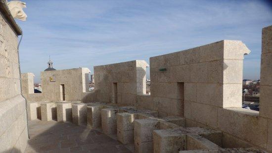 Tour de la Lanterne: the walkway