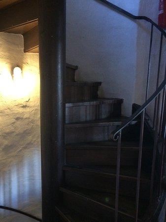 Lotrščak Tower: らせん状の階段でてっぺんへ