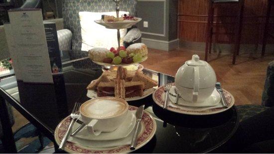 Morton Hotel: Afternoon Tea.