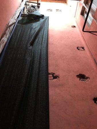 Hotel Marchionni : Kleine kamers, oud, douche werkt niet goed telkens warm en koud water. Uitzicht van de kamer zie