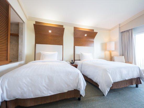 Fiesta Resort & Spa Saipan: Two double beds