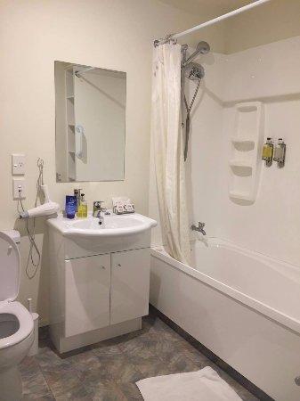 เชอร์บอร์น มอเตอร์ ลอดจ์: bathroom