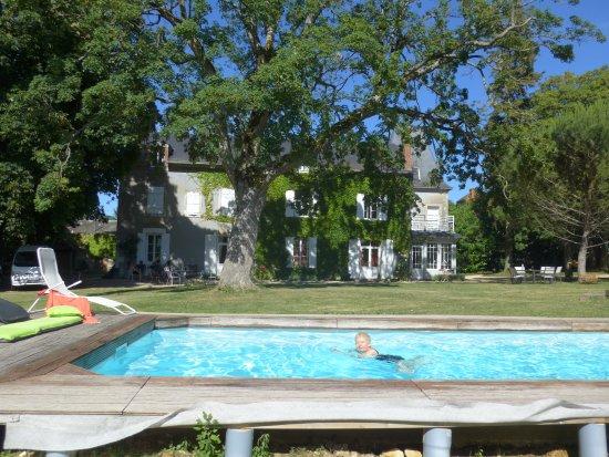 Saint-Maur, France: The pool & main building