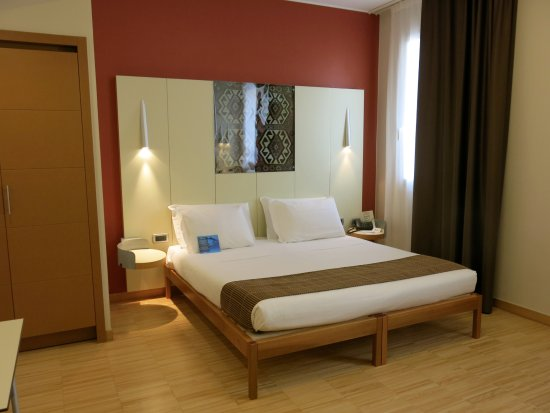 Best Western Plus Hotel Bologna: Very spacious and clean