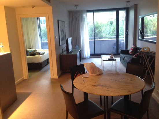 1 Bedroom Apartment City View Living Area Picture Of Adina Apartment Hotel Sydney Darling