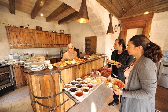 Terra Cave Hotel: Breakfast