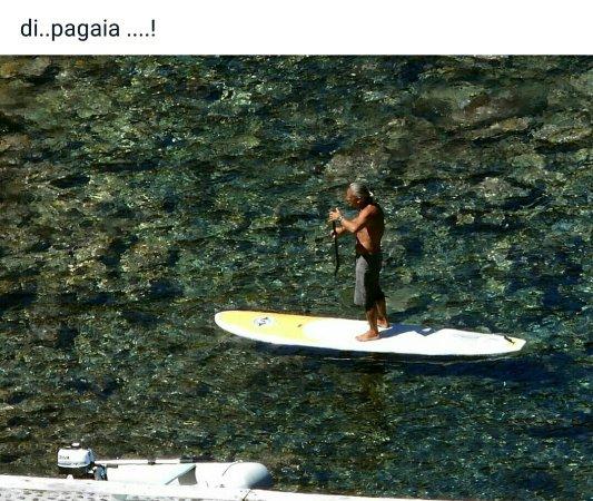 Capraia Isola, Italy: Capraia tra canoe, sup e mare!