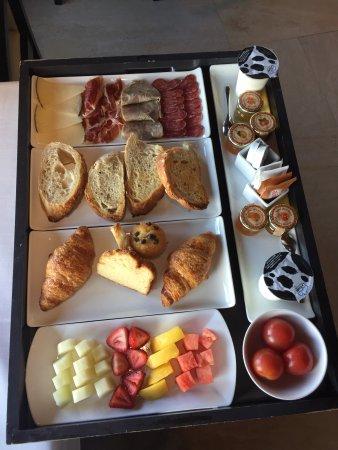 Canoves i Samalus, Spanje: desayuno de calidad