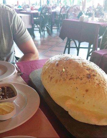 Leon Restaurant: photo1.jpg