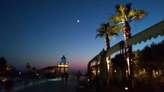 Sealight Resort Hotel: IMG_20170627_211837_large.jpg