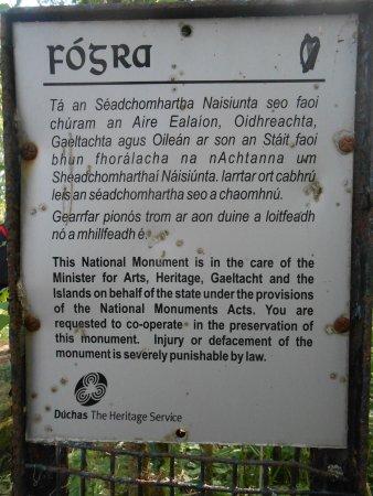 County Cavan, Irland: Hinweistafel zum Turm