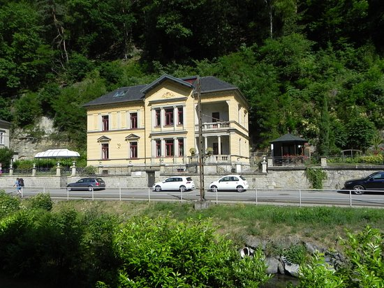 Villa Monsei - Picture of Hotel Albergo Toscana, Bad Schandau ...