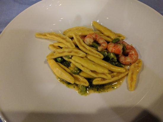 Hotel La Certosa: pasta con pesto, fave e gamberetti