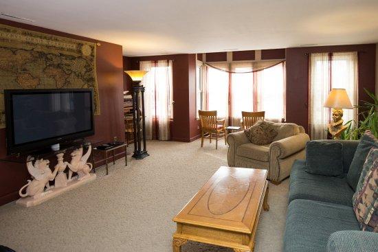 Washington, IA: Family Suite