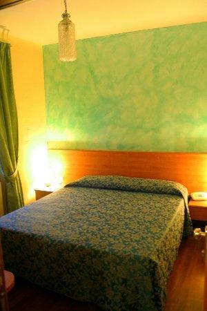 Hotel Romagna: Camera Matrimoniale