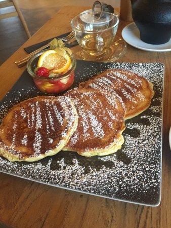 Slyrs - Caffee & Lunchery