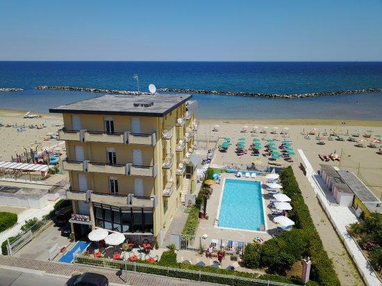 Schones Familiengefuhrtes Hotel Direkt Am Strand Hotel Biagini
