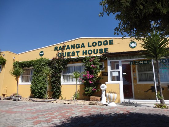 Ratanga Lodge Guest House: Our frontage and reception entrance