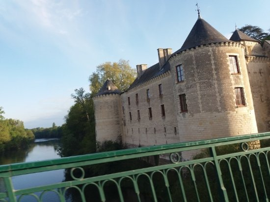 Le Grand-Pressigny, France: Chateau de la Guerche just one of many smaller and privately owned chateaux just up the road fro