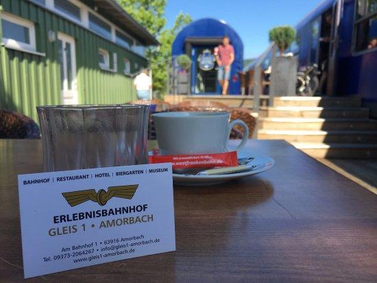 Amorbach, Tyskland: perfektes Frühstück - ein sonniger Morgen