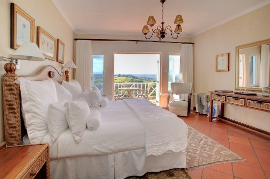 Hilltop Country Lodge: Standard Sea View Room