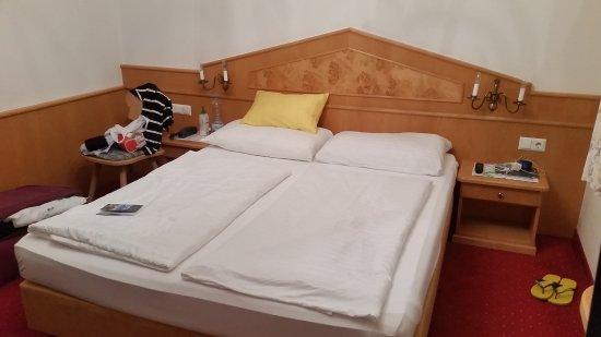 Hotel-Pension Bloberger Hof: 20170419_203618_large.jpg