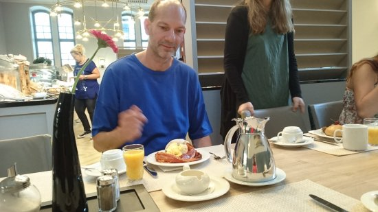 H4 Hotel Residenzschloss Bayreuth: Nice breakfast
