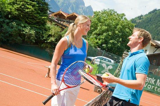 Berghof: 4 Tennisplätze gratis für unsere Gäste