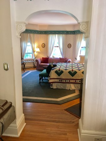Elmwood Heritage Inn: photo1.jpg