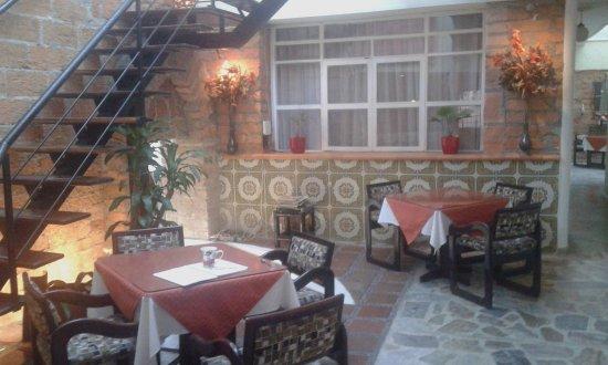 61Prado Guesthouse: Dining area