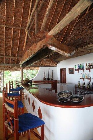Kutani, Tanzânia: Friendly bar for evening drinks
