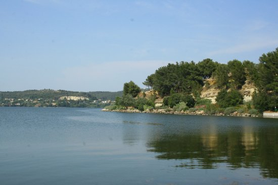 Istres, Francja: The zoo is on these shores