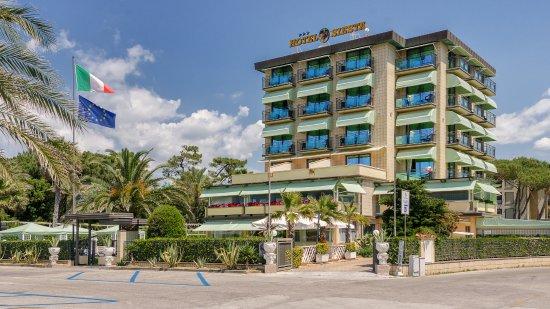 Hotel Siesta Photo