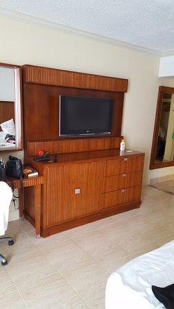 Hotel Riu Palace Antillas: 1980u0027s Furniture