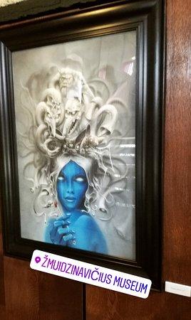 Devil's Museum: Draw Stunning