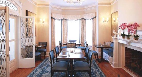 Rosedon Hotel: Huckleberry Restaurant Blue Room