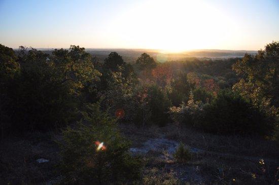 Branson, MO: Beautiful Ozarks' scenery.