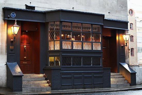 Mr Fogg's Residence: Bar at the Residence