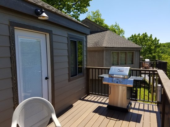 Holiday Shores Resort: Large back decks for grilling