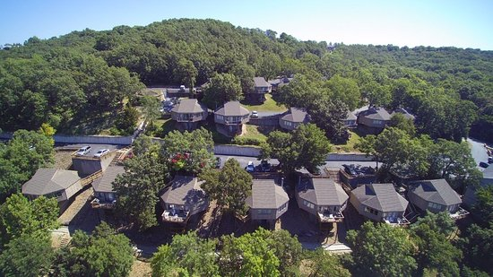 Holiday Shores Resort: Individual 3 bedroom cottages