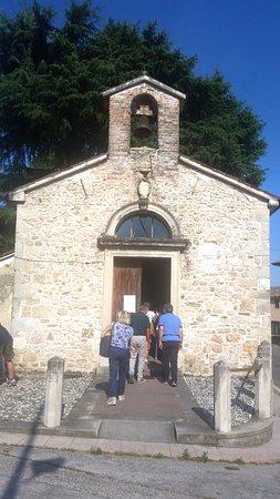 Farra di Soligo, Italia: Esterno della chiesetta