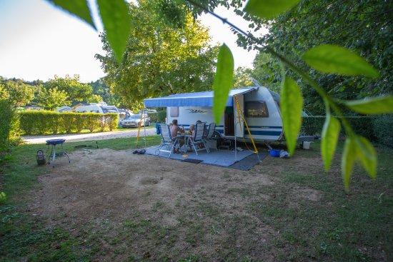 Artemare, France: un emplacement confort le long de la rivière