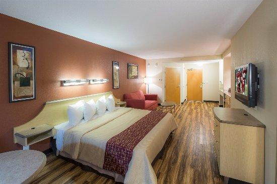 Interior - Picture of Red Roof Inn & Suites Philadelphia - Bellmawr, Bellmawr - Tripadvisor
