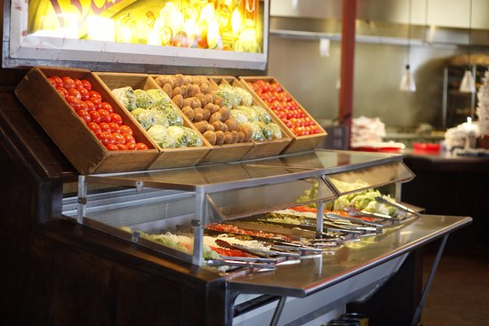 Beau Fuddruckers: Customize Your Burger At Our Toppings Bar!